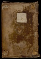 : Reliure monastique avec liseuse en peau non arasée et étiquette du XVIIIe siècle.