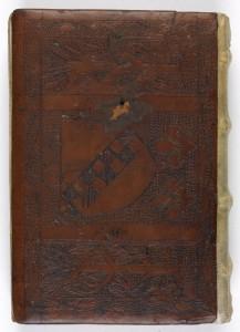 Reliure du XIIIe siècle aux armes de Clairvaux. Ms. 1731 plat inf. Ms 1731-003