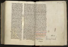 Différentes cotes du XVe siècle : cote la plus ancienne (« Q. 9. », répétée deux fois et barrée) ; cote antérieure à 1472 (« G. 45 », barrée) ; cote du catalogue de 1472 (« G. 21. », notée comme correction de la cote « G. 45 » et une deuxième fois, de manière très visible, au-dessus de l'ex-libris du XIIe siècle. MGT, ms. 527, f. 142.